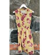 Klaara Vintage Kollakas roosidega kleit