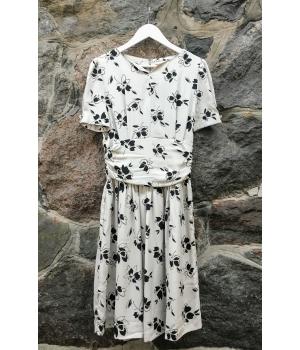 Wind Stream Hall lilleline kleit